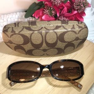 Coach ~ Lindsay ~ sunglasses with Case